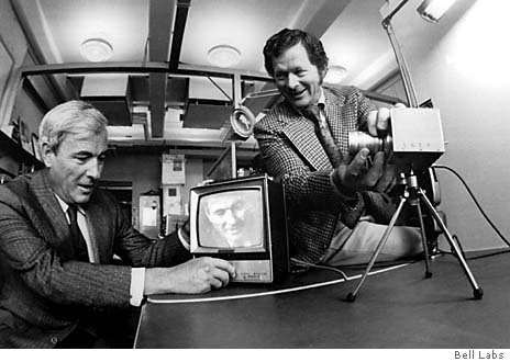 Dr. Willard Boyle 和George Smith(右).jpg