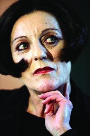 罗马尼亚裔女作家赫塔·米勒.jpg