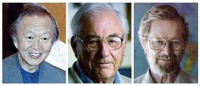 2009年诺贝尔物理学奖获得者高锟、博伊尔和史密斯(从左至右)