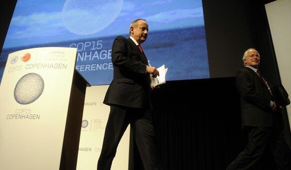 气候变化大会在发布《哥本哈根协议》后闭幕.jpg