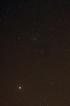 火星与蜂巢星团M44