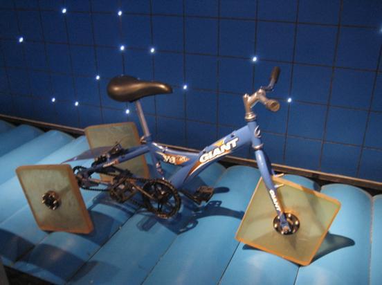 方轮自行车.jpg