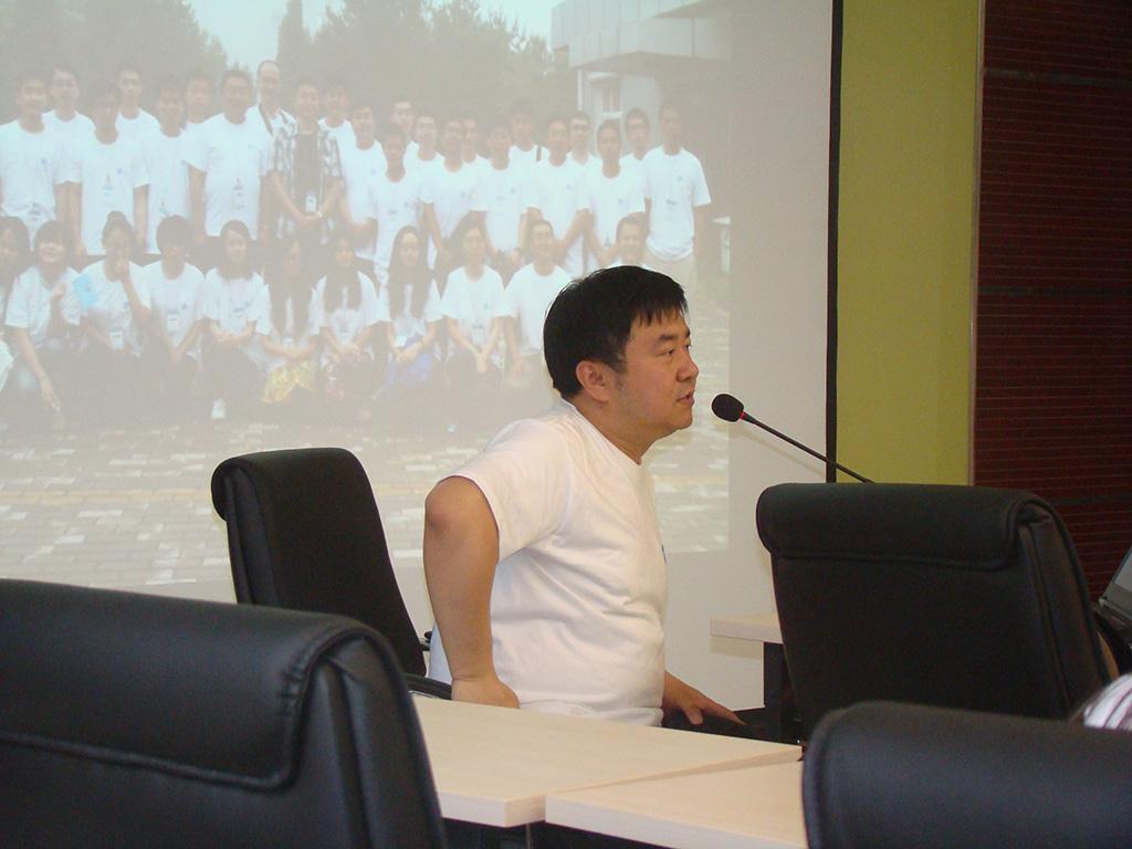 牧夫论坛坛主解仁江引起了研讨会的小高潮.JPG